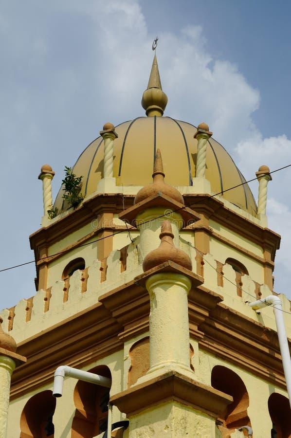 Минарет мечети Ala'eddin султана королевской в Banting стоковые изображения rf
