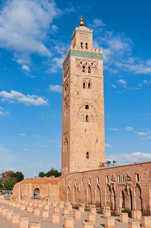 Минарет мечети Koutoubia - Marrakech, Марокко стоковые изображения rf