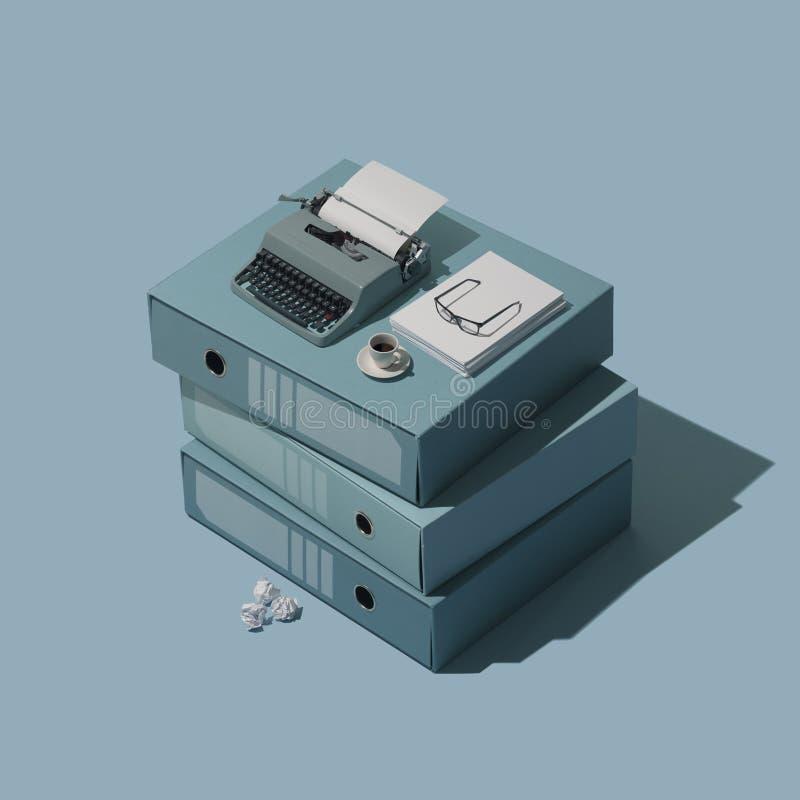 Миниатюрная винтажная машинка на куче папок иллюстрация штока