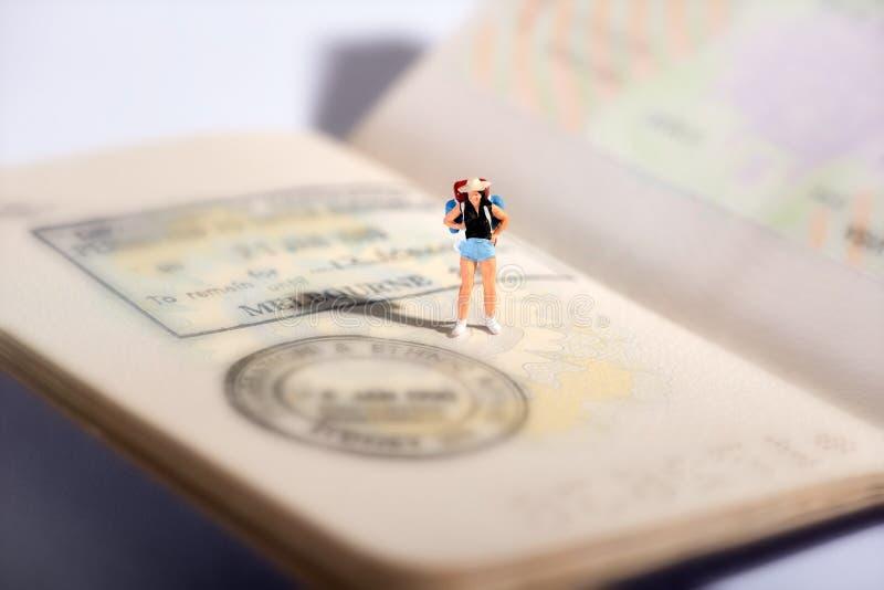 Миниатюрная диаграмма путешественника на пасспорте стоковые фото