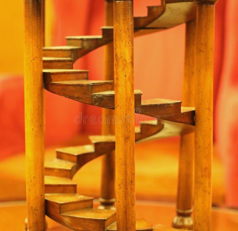 Миниатюрная деревянная лестница стоковое фото rf