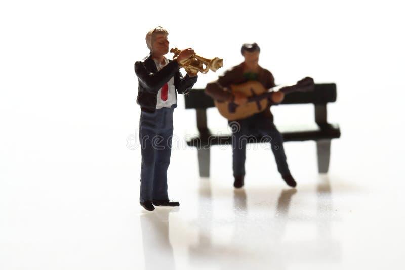 Миниатюрные музыканты a стоковая фотография rf
