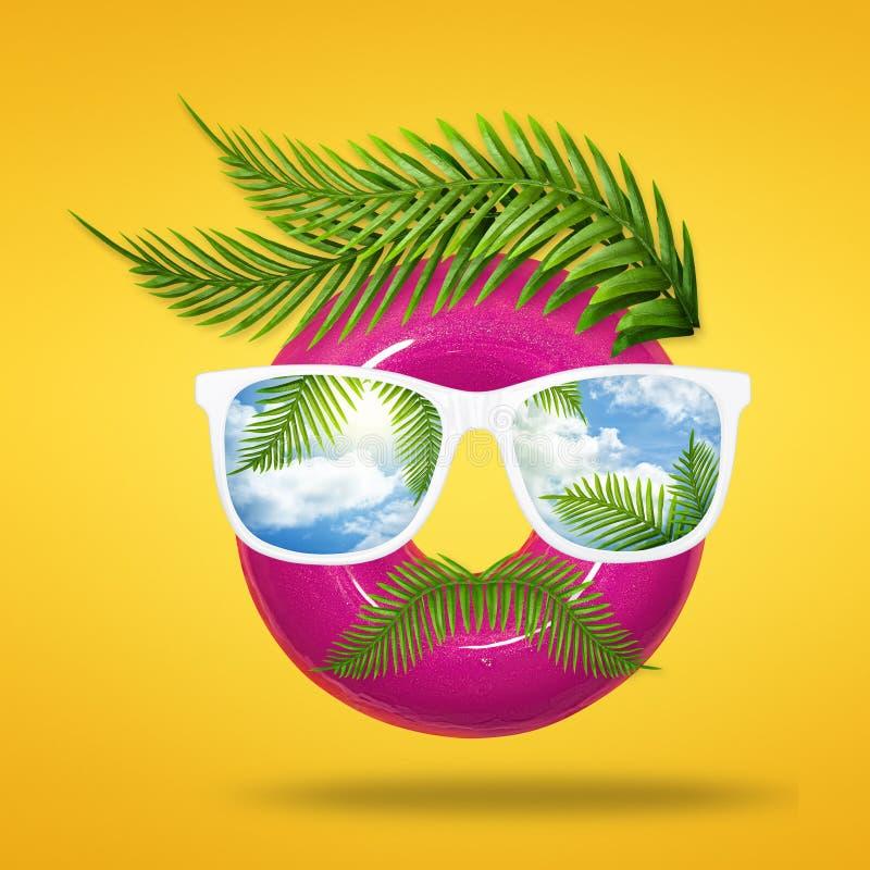 Минимальная концепция лета стороны человека хипстера сделанной из вкусного донута с солнечными очками, зеленой тропической ладони бесплатная иллюстрация