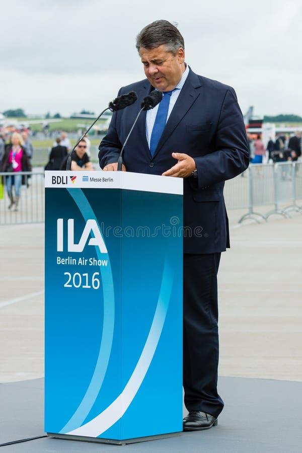 Министр для экономических вопросов и энергии, Sigmar Габриэля стоковое изображение