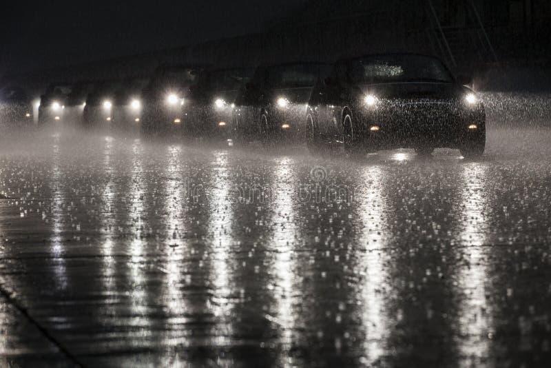МИНИ в дожде стоковые фото