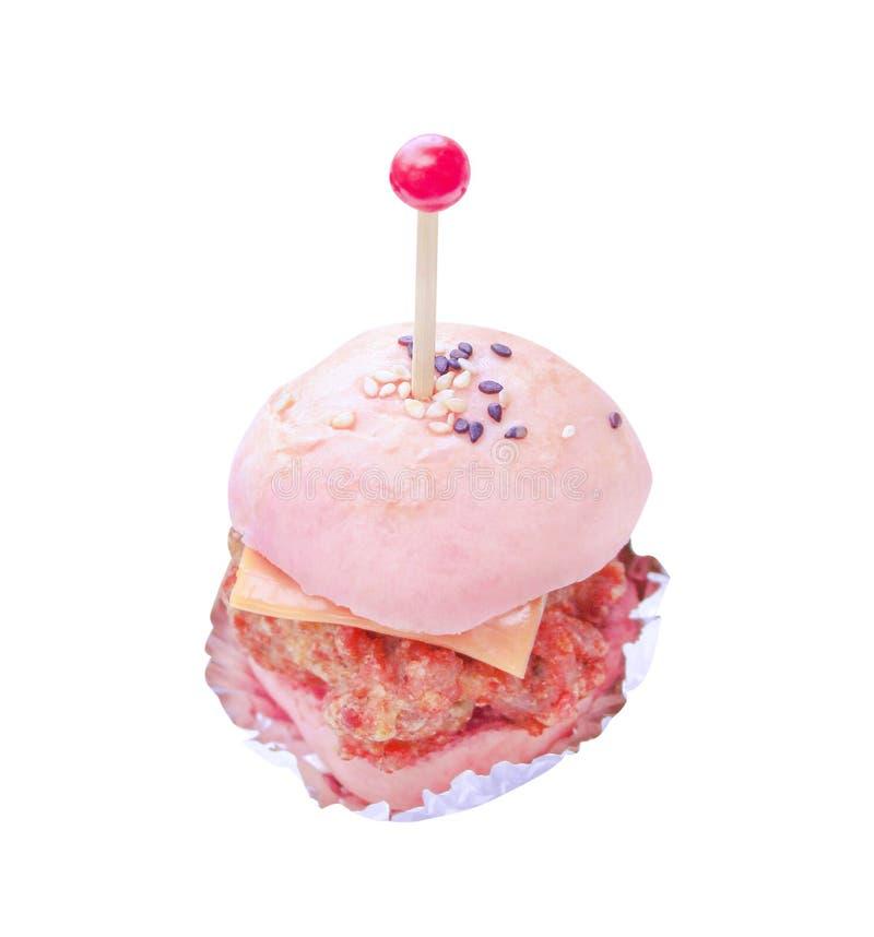 Мини гамбургеры в бумажном стаканчике изолированном на белой предпосылке с путем клиппирования стоковое изображение
