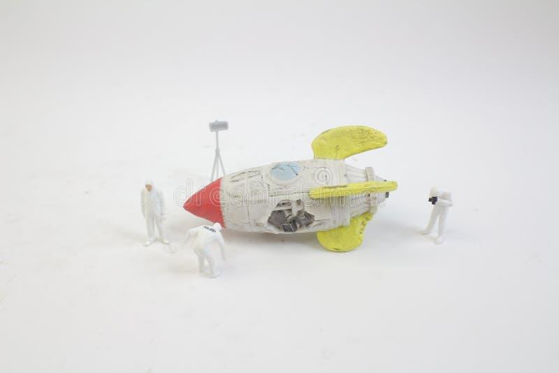 мини диаграмма работа с сломала космический корабль стоковая фотография