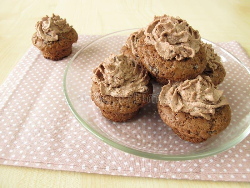 Мини-пирожные шоколада стоковое изображение rf