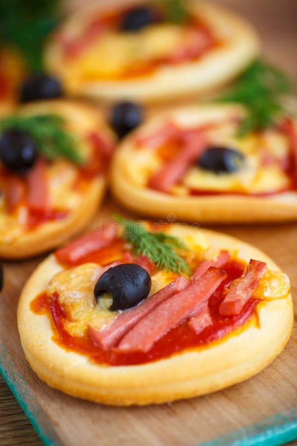 Мини пицца стоковые изображения rf