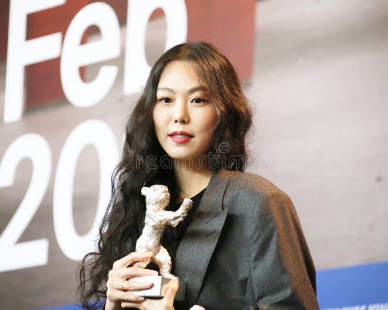 Минута-hee Ким присутствует на пресс-конференции победителей награды стоковые фотографии rf