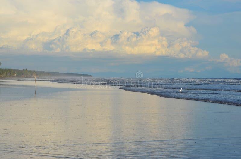 Мирное время на Playa El Espino стоковые изображения rf
