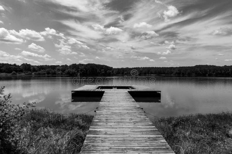 Мирный док озера Грузи стоковые фотографии rf