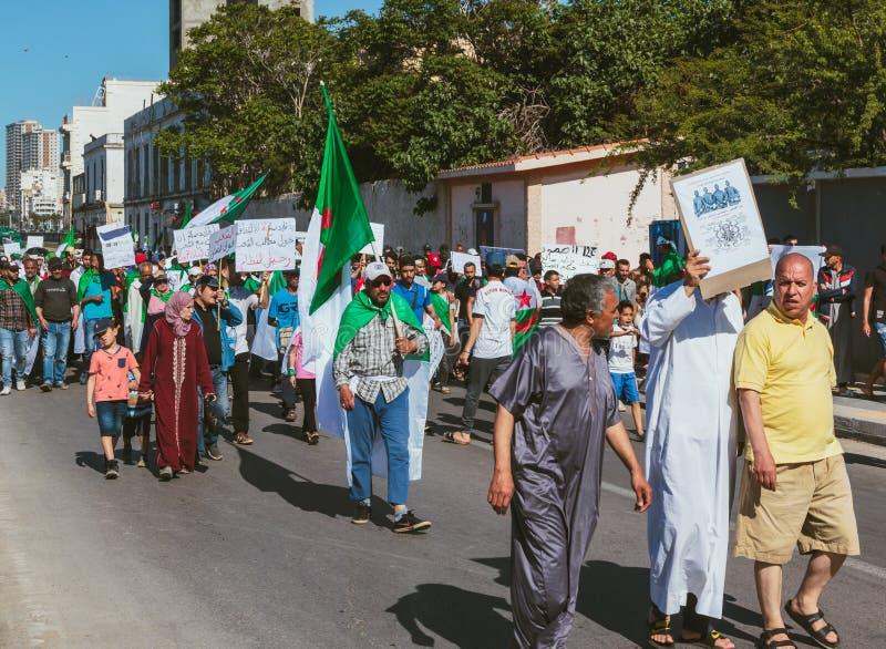 Мирный протест в Алжире стоковое фото