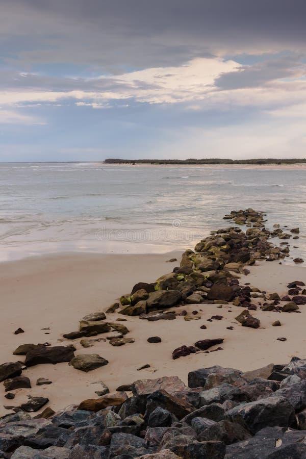 Мирный пляж в Caloundra стоковые фотографии rf