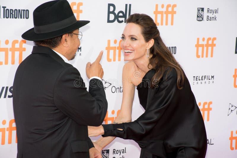 Мировая премьера Angelina Jolie ` сперва они убили мое ` отца на международном кинофестивале Торонто стоковое фото