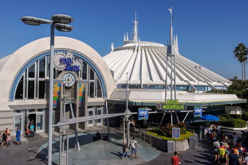 Мир Орландо Флорида Tomorrowland Уолт Дисней горы космоса стоковые фото