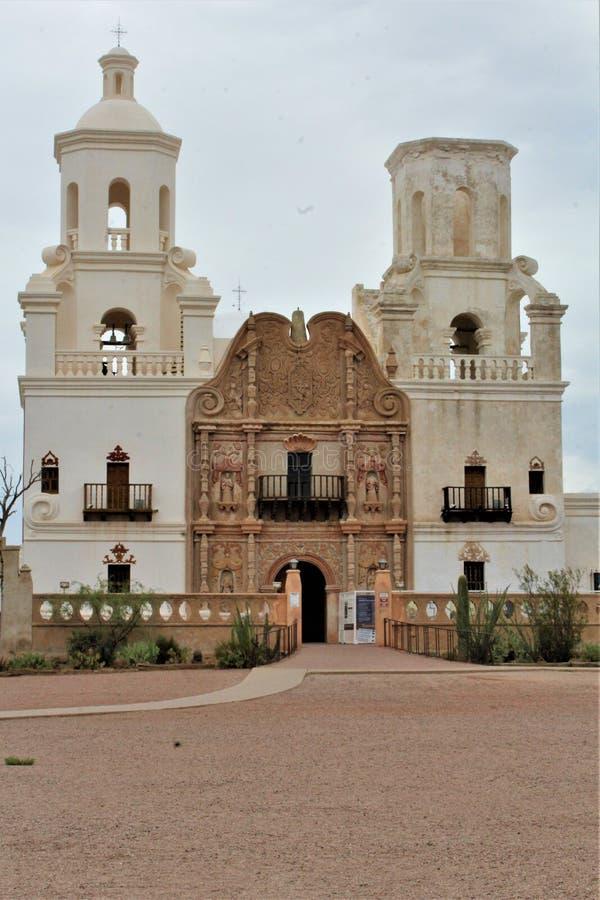 Миссия Сан-Ксавье-дель-Бак, Тусон, Аризона, Соединенные Штаты стоковая фотография