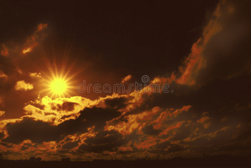 мистический заход солнца стоковая фотография rf