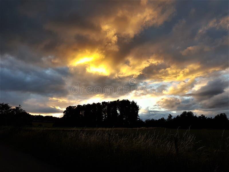 мистический заход солнца стоковое фото