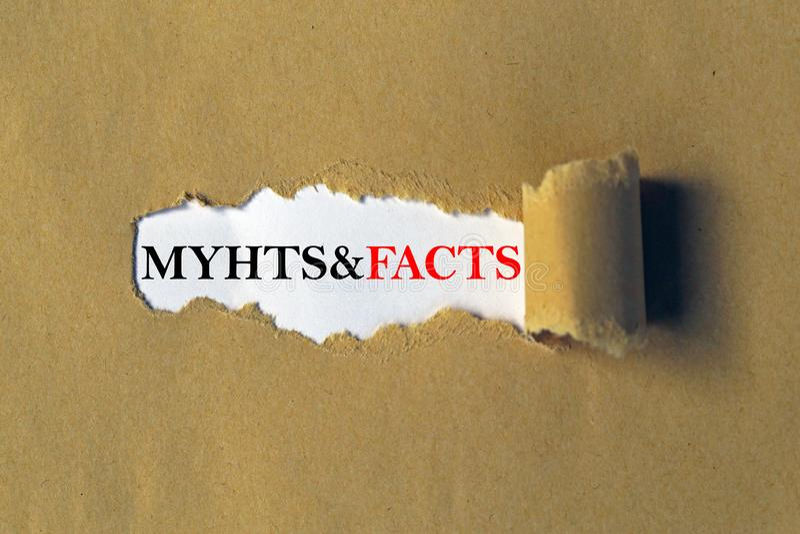 Мифы и возглавлять фактов стоковая фотография
