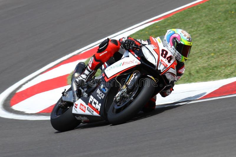 Мишель Fabrizio #84 на Superbike 1000 Roma красных дьяволов фабрики Aprilia RSV4 WSBK стоковая фотография