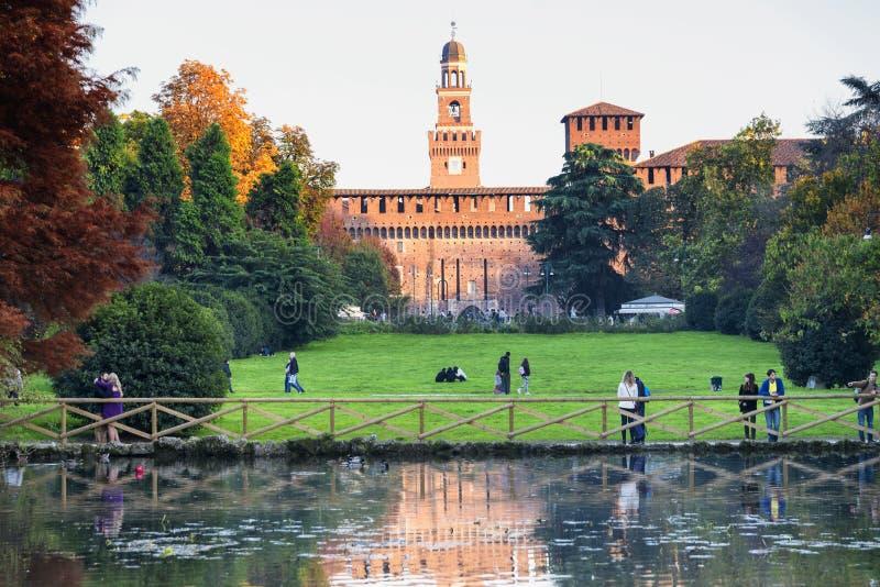 Милан (Италия) на падении стоковое фото rf