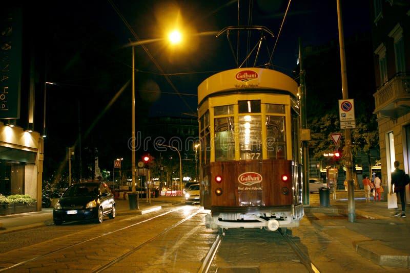 Милан Италия трамвайной линии стоковые фото