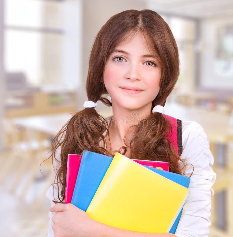 Милая девушка на школе стоковая фотография rf