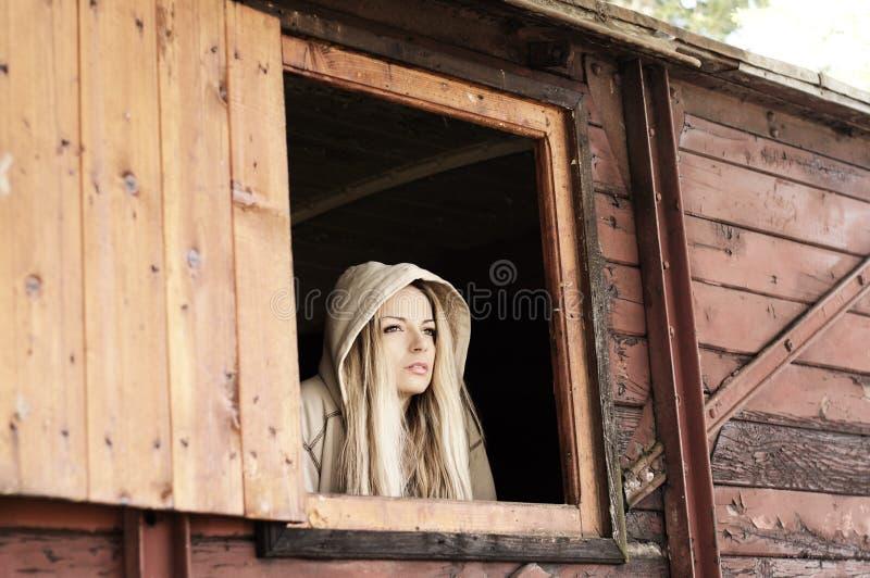 Милая молодая женщина стоковое изображение rf