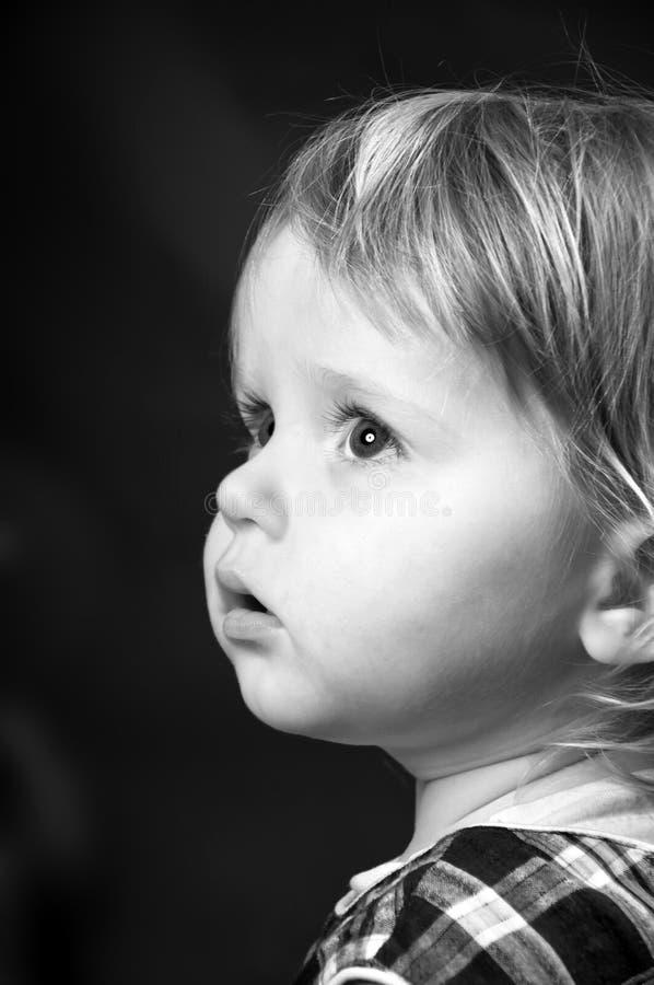 Милый портрет маленькой девочки стоковая фотография