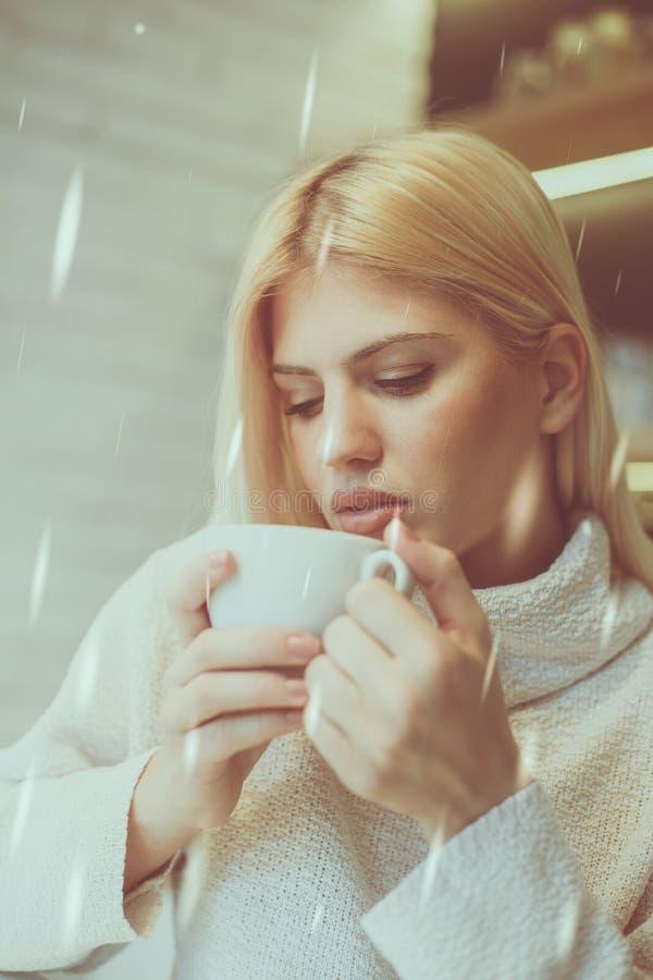 Мне нужен кофеин стоковая фотография rf