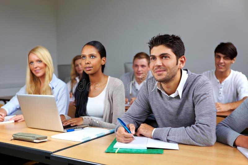 многодельные студенты типа стоковое изображение