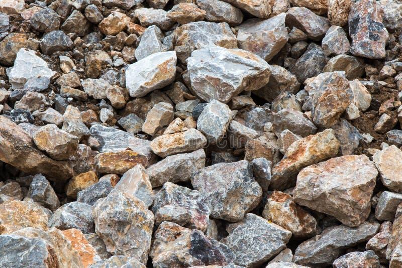 Много большая куча утеса с почвой стоковое фото rf