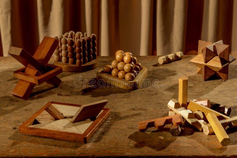 Много деревянные головоломки стоковые фотографии rf