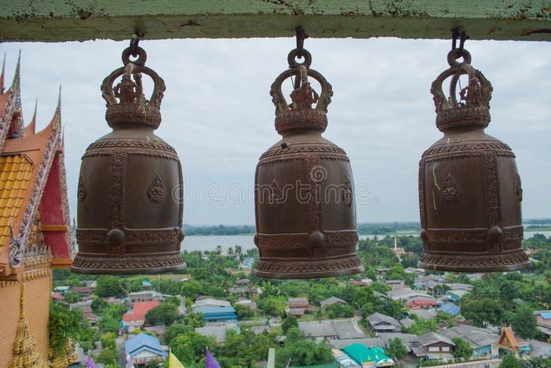 Много колоколов в тайском виске стоковая фотография rf