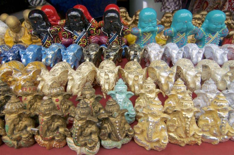 Много красочные статуи Ganesha, слонов и Buddhas стоковая фотография rf