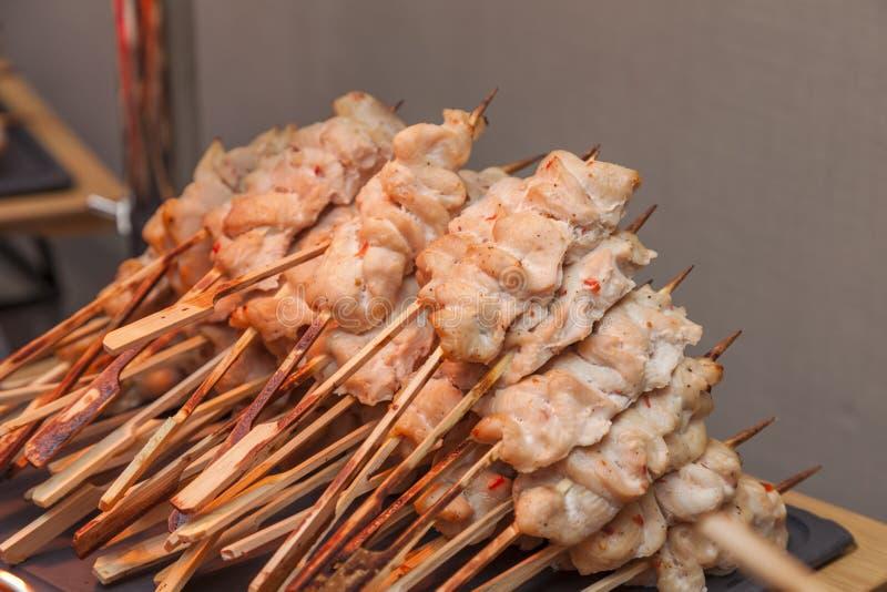 Много малых kebabs с salmon рыбами стоковая фотография rf