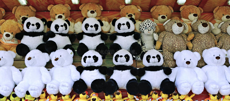 Много плюшевых медвежоат игрушек нежности стоковая фотография