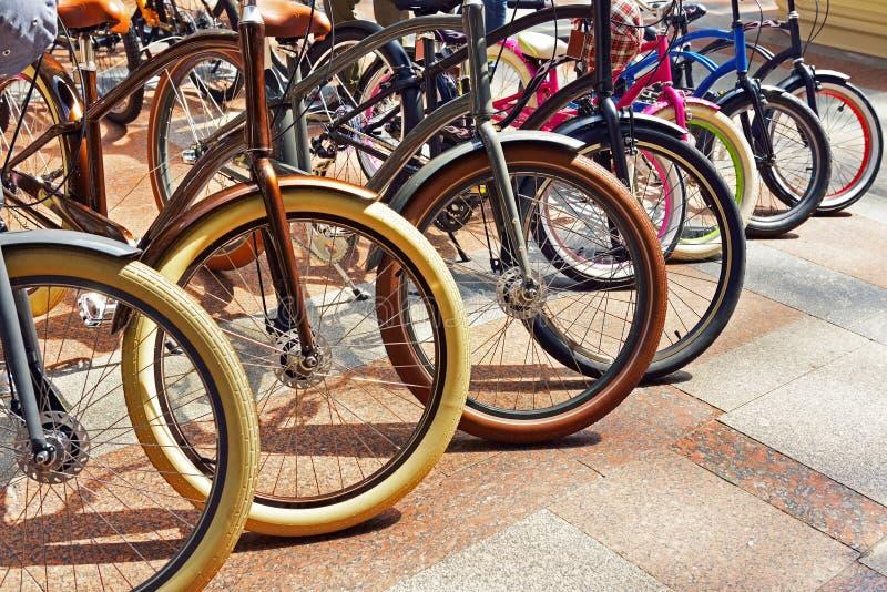 Download Много различный велосипед стоковое фото. изображение насчитывающей город - 41662890