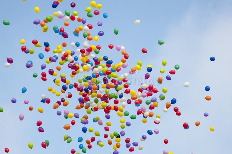 Цветастые baloons в небе стоковые изображения rf