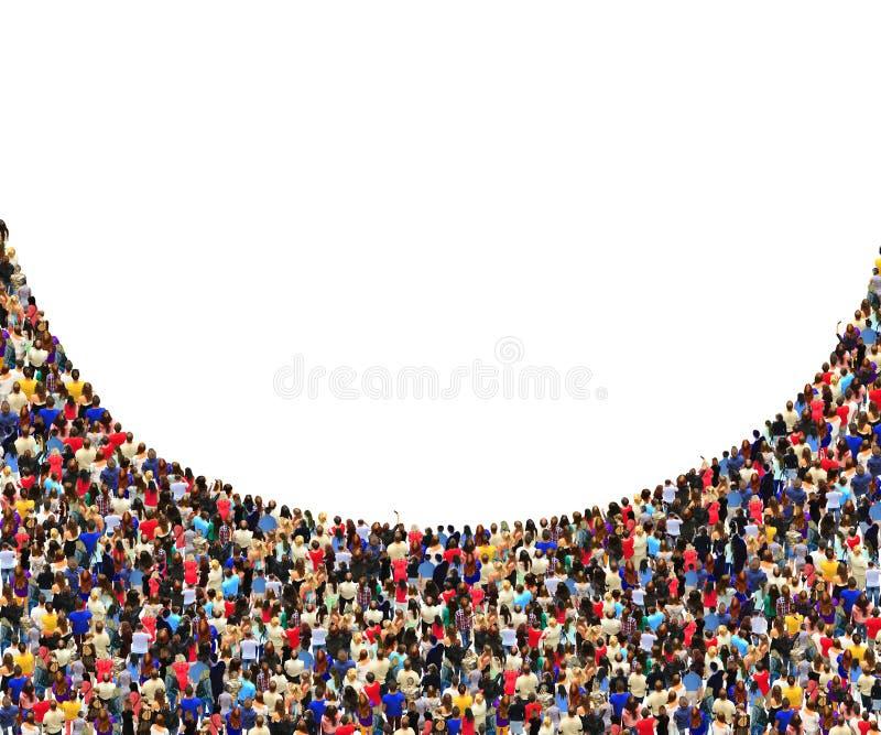 Много людей стоя в толпе полуокружностью стоковые фотографии rf
