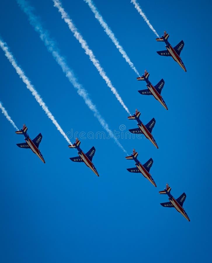 """Множественного летание воздушных струй Armee El """"в образовании стоковое изображение rf"""