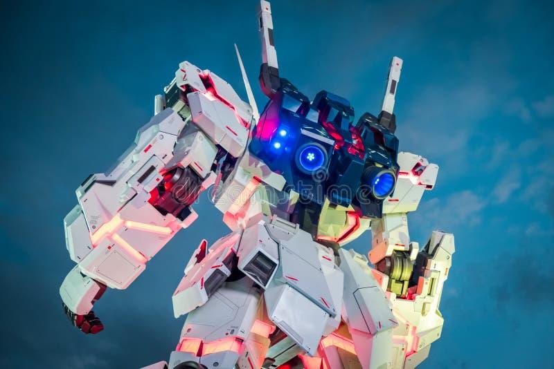 Мобильный единорог Gundam костюма RX-0 на площади в районе Odaiba, Токио Токио города водолаза стоковые изображения rf