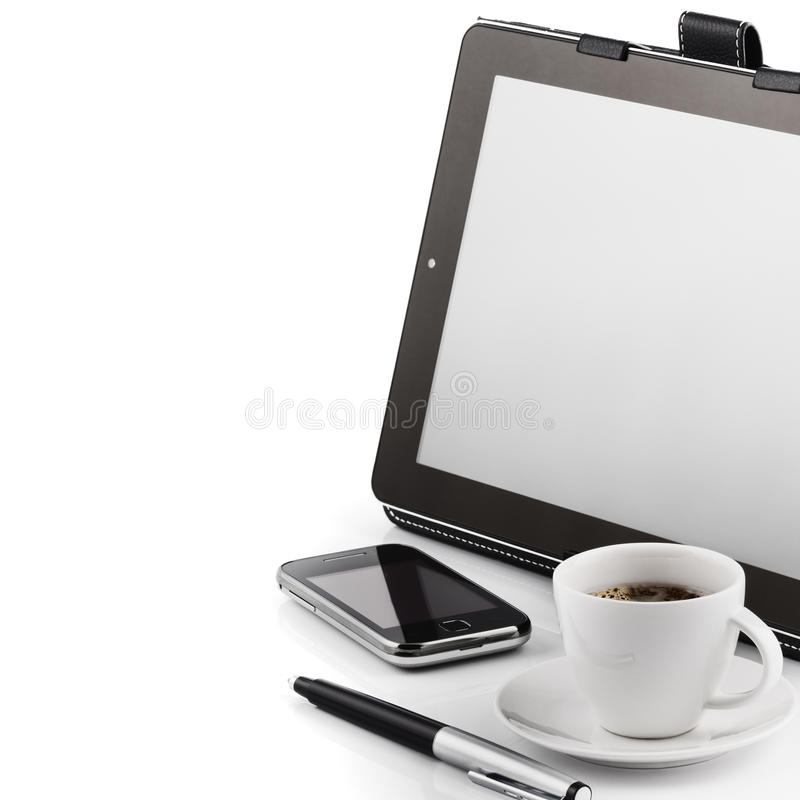 Мобильный телефон, ПК таблетки и чашка кофе стоковое изображение