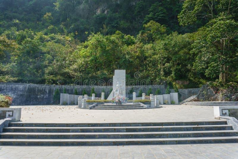 Могила Nong Van Вертепа стоковые изображения