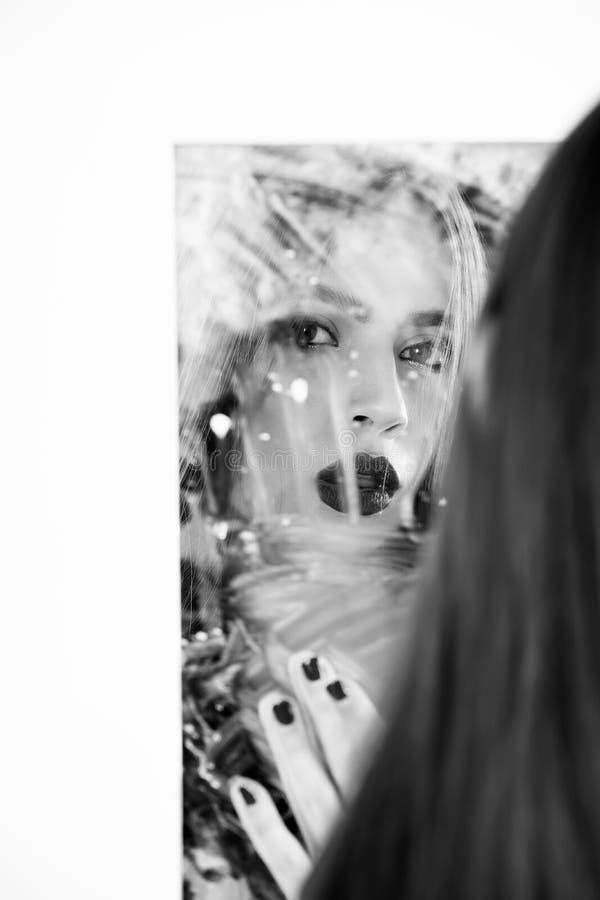 мода и красота, порченная репутация, устремленности и восприятие собственной личности, совершенство стоковые фотографии rf