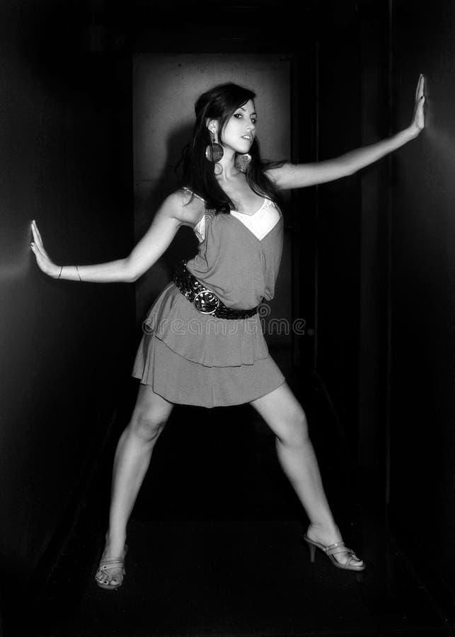 моделирование милой женщины стоковая фотография rf