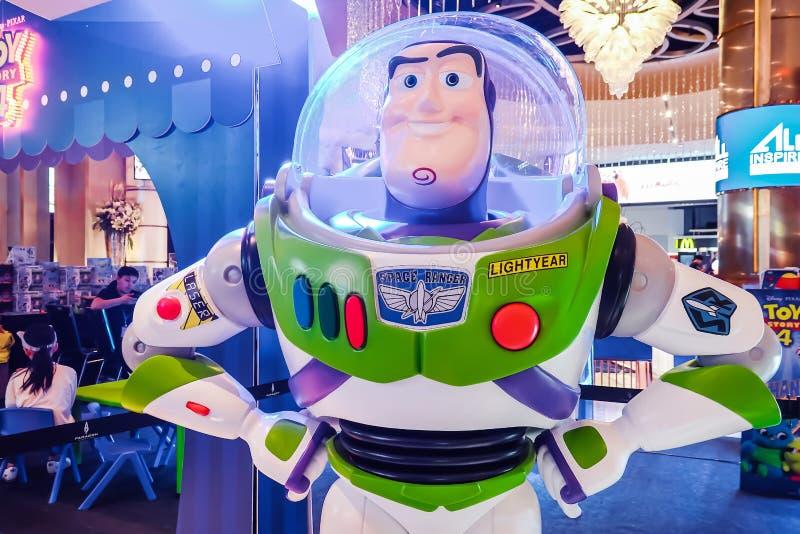 Модельный анимационный фильм рассказа игрушки формы характера игрушки робота светового года жужжания на кино стоковые изображения