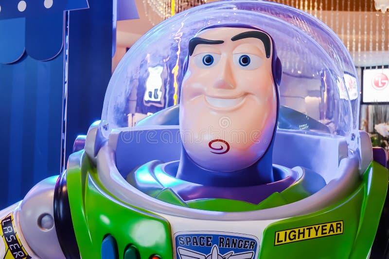Модельный анимационный фильм рассказа игрушки формы характера игрушки робота светового года жужжания на кино стоковое изображение rf