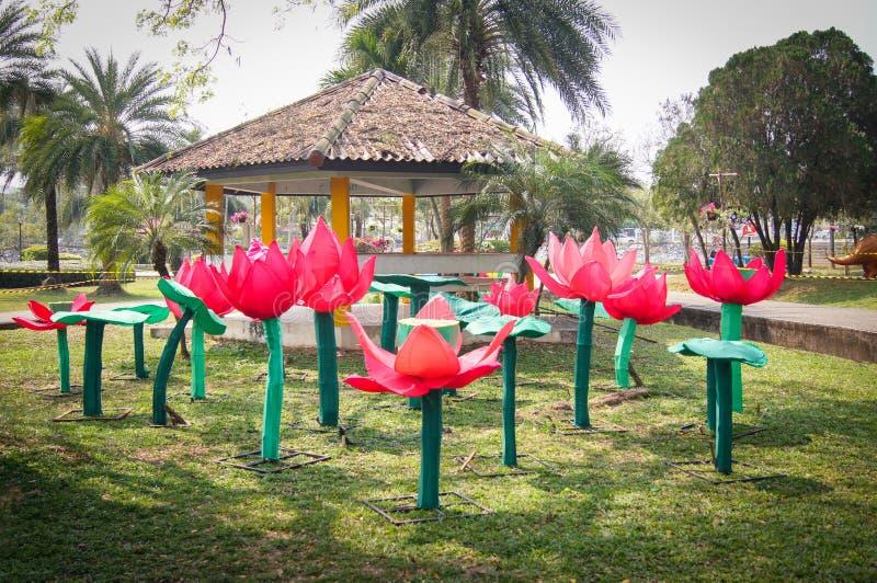 Модельный поддельный цветок стоковые изображения